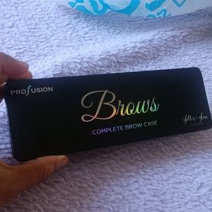 Brows pallette professional and artistic makeup